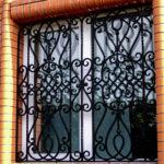 kovanye-reshetki-na-okna-1